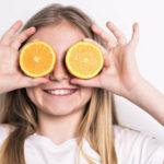 alimentazione arancia bambina