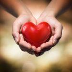 donare sangue cuore in mano